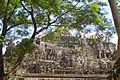 Le Bouddha couché (Baphuon, Angkor) (6875747465).jpg
