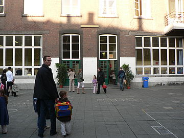 School starts in September in many countries, such as here, in Belgium Liege (3).JPG