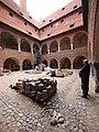 Lidzbark Warmiński, dziedziniec zamku biskupiego - panoramio.jpg