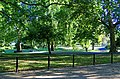 London - The Mall - View South into St.James's Park.jpg