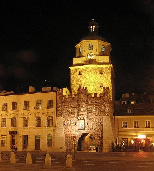 File:Lublin brama krakowska noc2.JPG