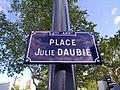 Lyon 8e - Place Julie Daubié - Plaque (mai 2019).jpg