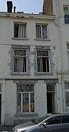 foto van Huis met sterk gewijzigde voorgevel.