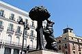 Madrid - Estatua del Oso y el Madroño (35213921244).jpg