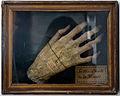 Main droite de la momie Musée Vannes 20082012.jpg
