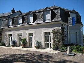 http://upload.wikimedia.org/wikipedia/commons/thumb/7/7b/Mairiemuides.jpg/280px-Mairiemuides.jpg