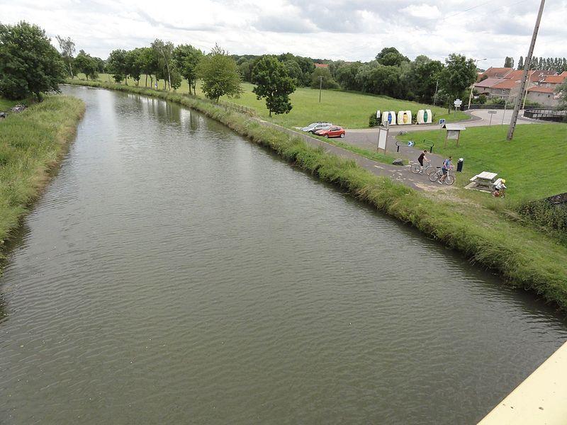 Maixe (M et M) canal de la Marne au Rhin avec voie verte