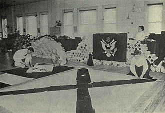 Brooklyn Navy Yard - Quarterwoman Mary Ann Woods and flag-makers making president's flag in 1914