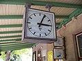 Malá Skála, staniční hodiny.jpg