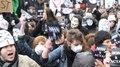 File:Manif contre Acta, Paris 017.webm