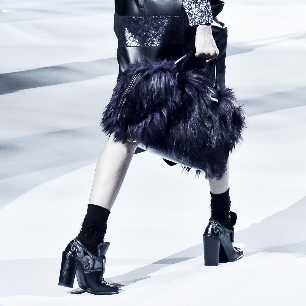 Marc Jacobs Fashion Black Hairstyles