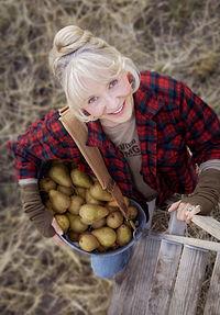 MaryJane Butters of MaryJanesFarm Magazine.jpg