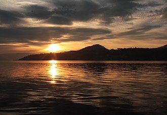 Okanagan Lake - Image: Maude Roxby Wetlands sunset
