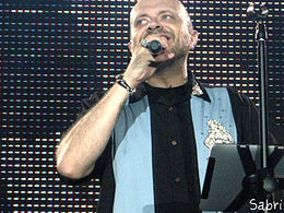 Max Pezzali in concerto nel 2012