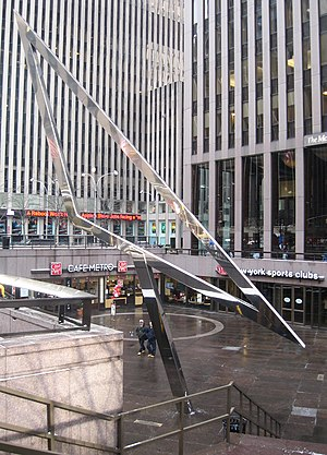 1221 Avenue of the Americas - Sunken courtyard