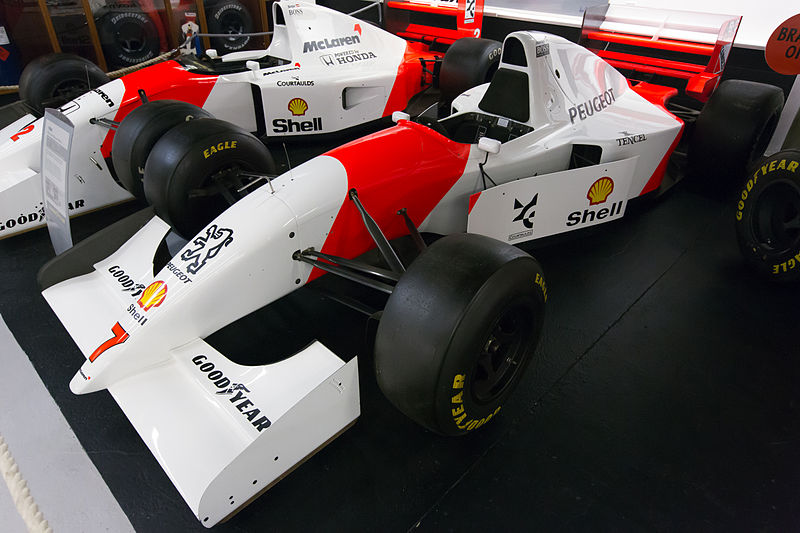 Archivo:McLaren MP4-9 front-left Donington Grand Prix Collection.jpg