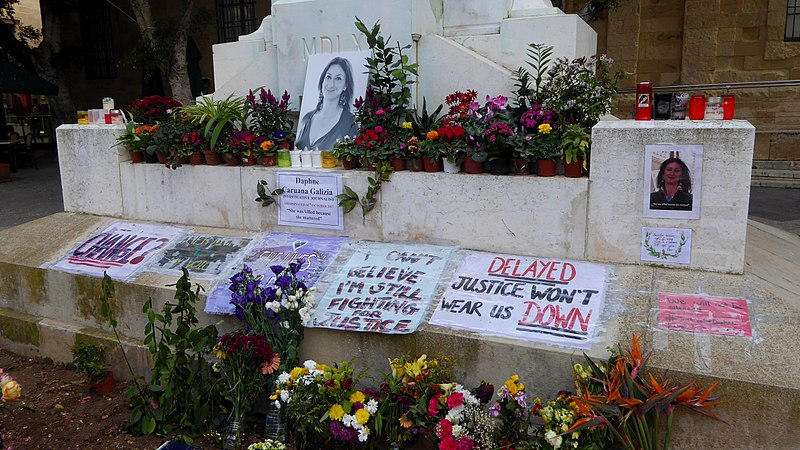 File:Memorial to Daphne Caruana Galizia.jpg