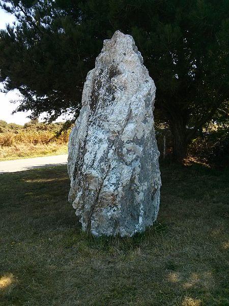 Menhir Pierre Sainte Anne à Bangor (Belle Ile en Mer).