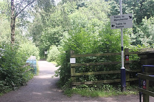 Middlewood Way bridge over Middlewood Station (geograph 3065607)