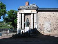 Monument Alligny-en-Morvan 01.JPG