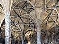 Mosteiro dos jerônimos (39626132530).jpg