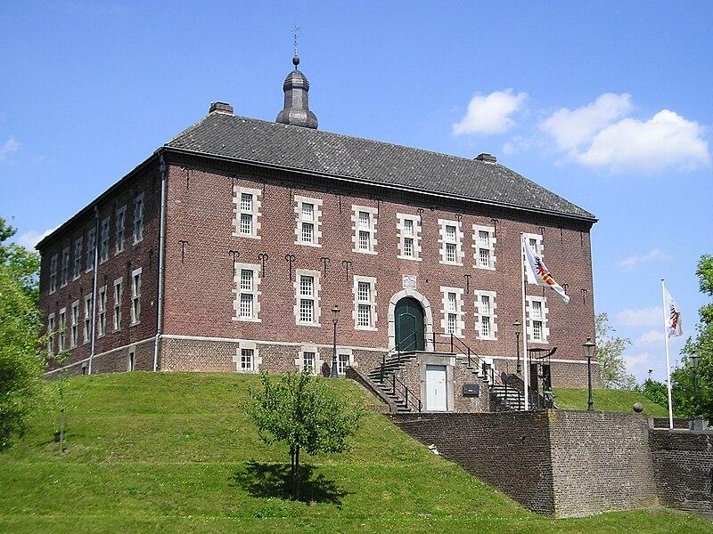 File:Motte - Kasteel Limbricht.JPG