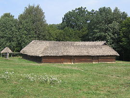 Museum of Folk Architecture and Ethnography in Pyrohiv - old wooden building - 2397.jpg
