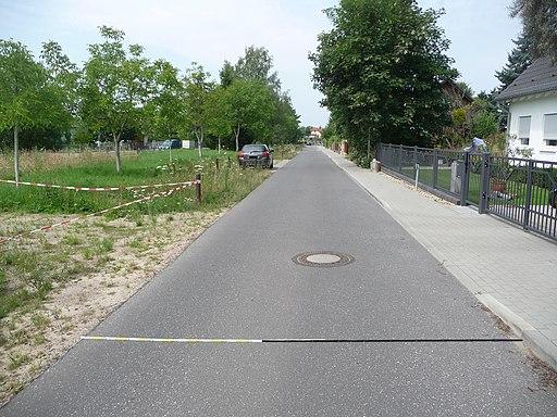 Nördliche Fahrbahn der Richard-Wagner-Straße, Richtungsfahrbahn in Richtung West (in Kamerablickrichtung), Abschnitt westlich Kreuzung mit dem Großbeerener Weg - panoramio