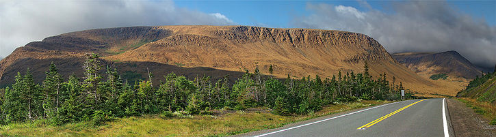 Parc national du Gros-Morne, les montagnes Tablelands vues de la Route 431