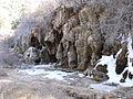 Nacimiento del Río Cuervo cascada helada 1.JPG