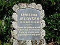 Nagrobnik Ernestine Jelovšek v Kranju v Gaju.jpg
