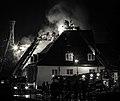 Nedre Foss gård brenner (011645).jpg