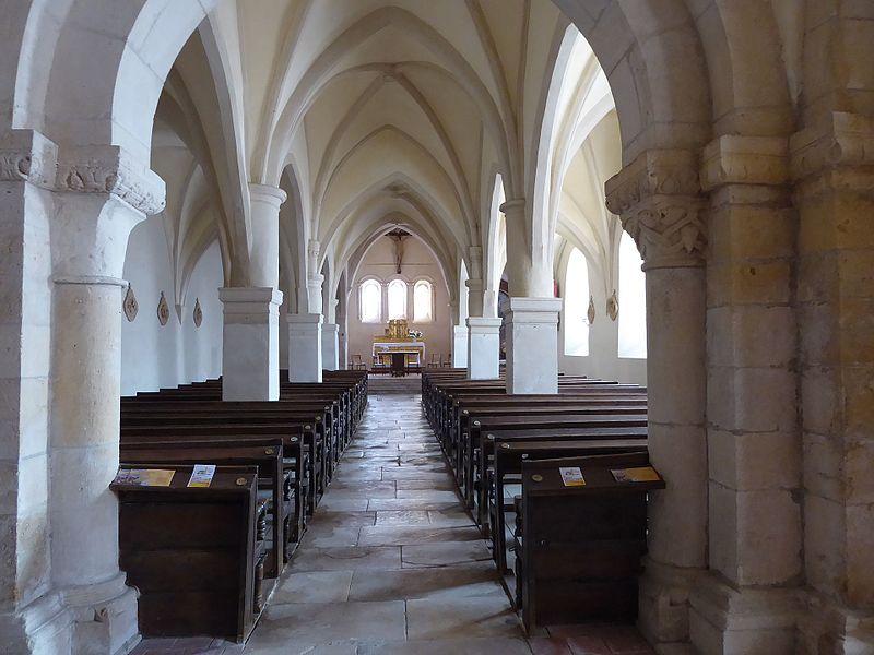 Nef de l'église Saint-Laurent de Laître-sous-Amance en direction du Chœur.
