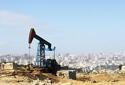 Oil pump in Baku.jpg