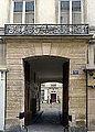 P1270733 Paris III rue Charlot N28 rwk.jpg