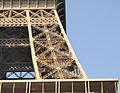 Paris - Eiffelturm - Aufzug1.jpg
