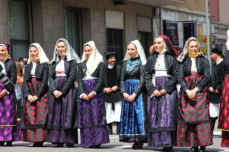 File:Paulilatino - Costume tradizionale (13).JPG