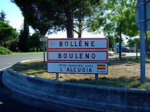 Bollène - Entrance of Bollène. The second sign shows the town name in Provençal. The third one its twin town.