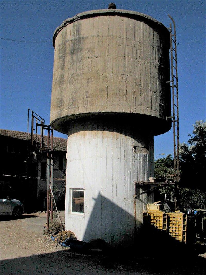 מגדל המים בבית שערים
