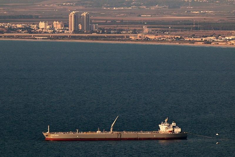 מכלית במפרץ חיפה