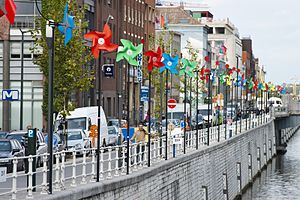 Sint-Jans-Molenbeek - Pin Wheels along the canal in Molenbeek