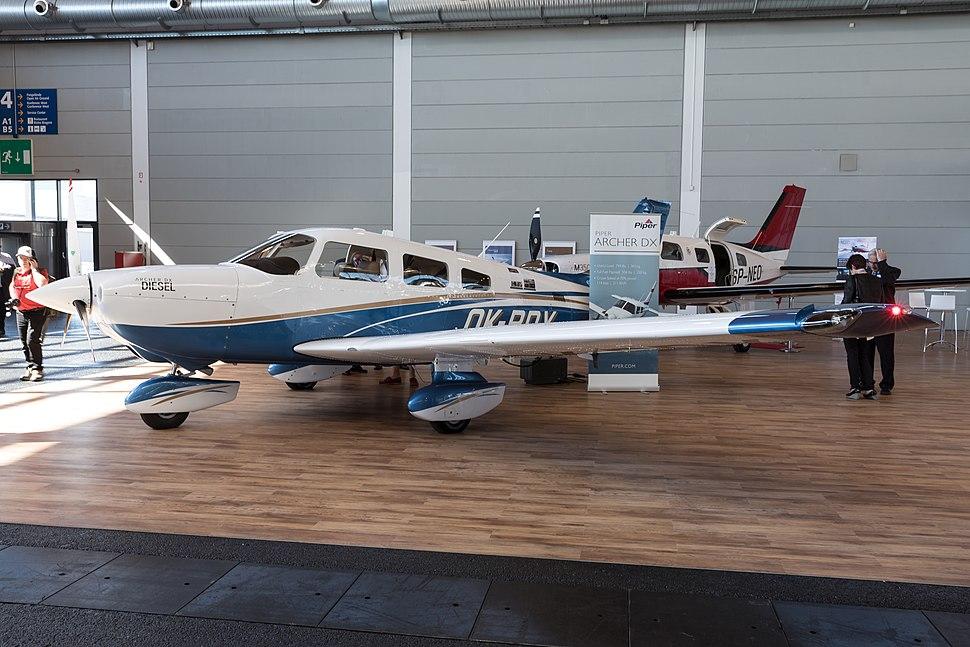 Piper PA-28 Cherokee - Howling Pixel