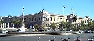 Biblioteca Nacional de España - Image: Plaza de Colón (Madrid) 02