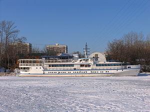 Polkovnik Aksenov in North River Port 31-jan-2012 02.JPG