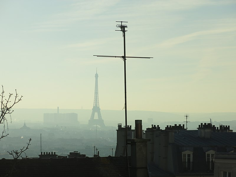 File:Pollution event in Paris D161208 - Eiffel tower from Montmartre.jpg