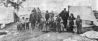 Romani Americans - An encampment of the Roma people on the outskirts of Portland, Oregon. The photographed group faced eviction from the Portland Police (1905).