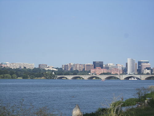 The Potomac River in Washington, D.C., with Arlington Memorial Bridge in the foreground and Rosslyn, Arlington, Virginia in the background Potomac River in District of Columbia IMG 4720.JPG