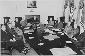 Clinton Presba Anderson - Secretary of Agriculture Clinton P. Anderson (center) in the Truman Cabinet (January 1948).