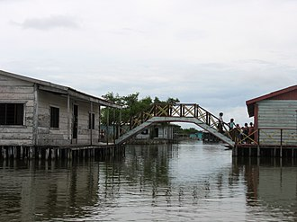Ciénaga Grande de Santa Marta - Image: Puente en zona de palafitos en Nueva Venecia Sitionuevo Magdalena Colombia