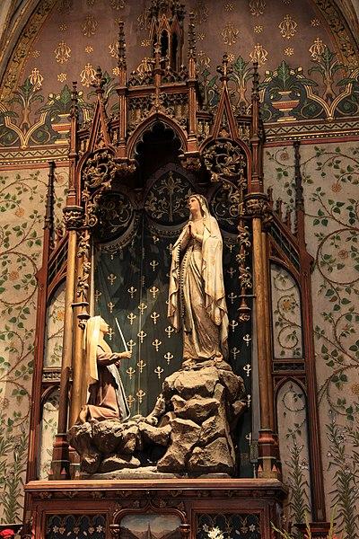 Apparition de la Vierge à Bernadette Soubirou.